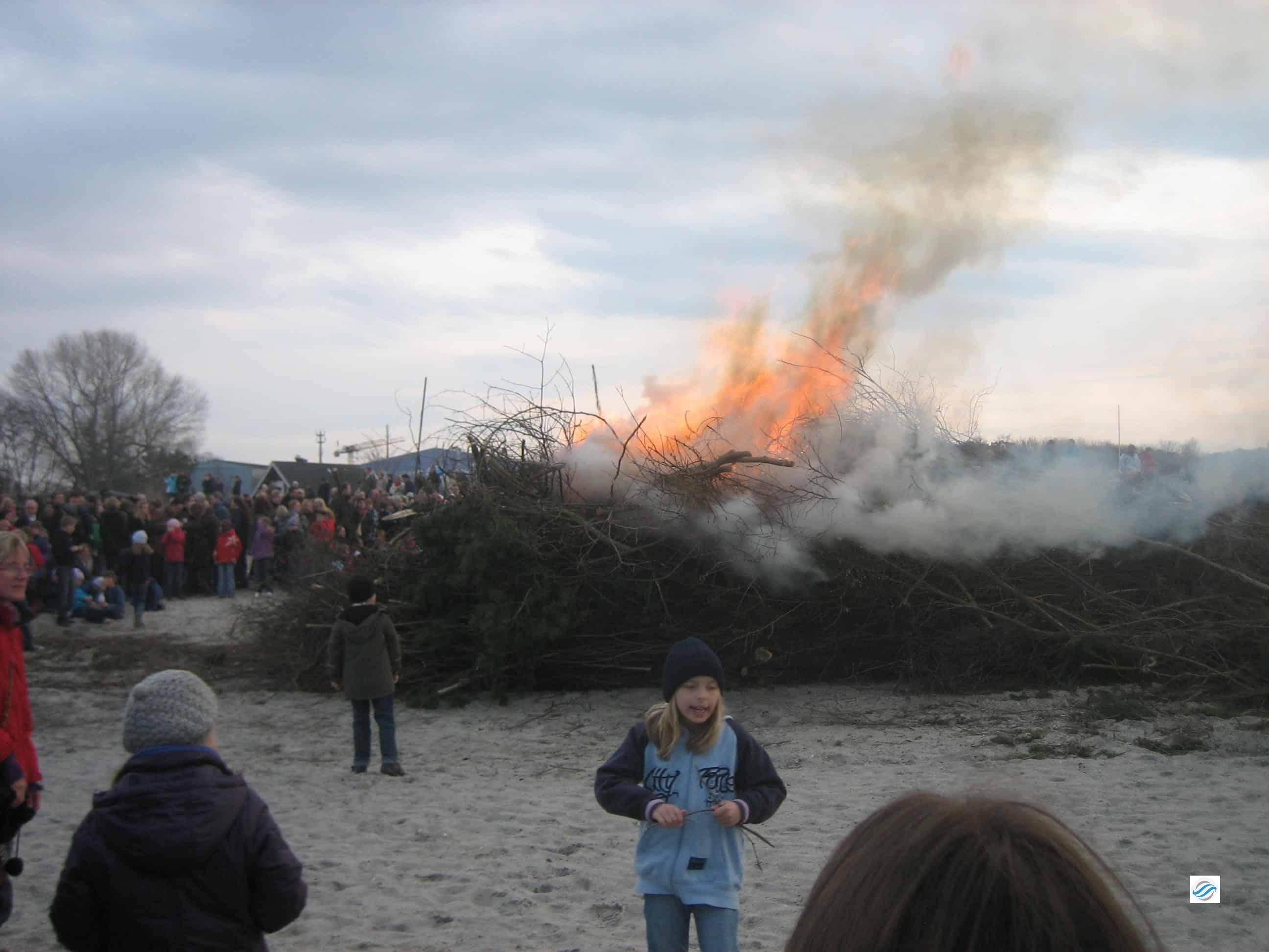 Der Strand brennt